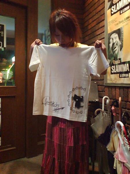 サイン入りTシャツ