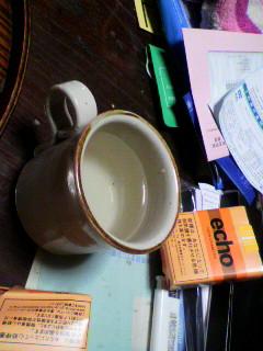 コーヒーカップで日本酒の熱燗