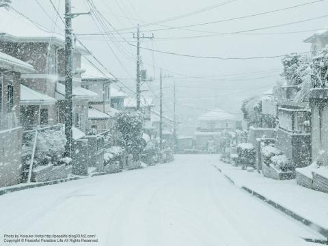 雪が降る町、岡津町 4
