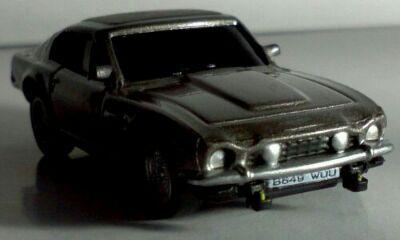 アストンマーチンV8ヴァンテージ001