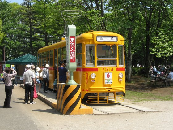 小金井市の江戸東京たてもの園に保存されている都電7500形電車