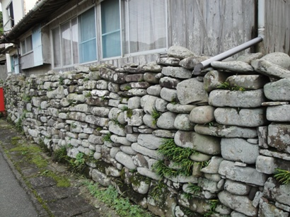 丸い石の石垣